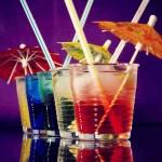 Des cocktails pour briller en soirée, origines et recettes