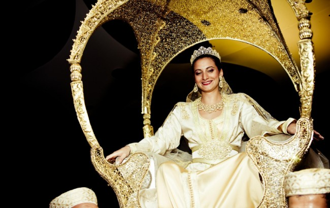Entre tradition et modernité, le mariage marocain a toujours fasciné les  adeptes de mariages majestueux. À l\u0027image des Contes des mille et une  nuits,